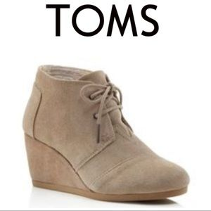 Toms Desert Womens Tan Suede Lace Up Wedge Boots.